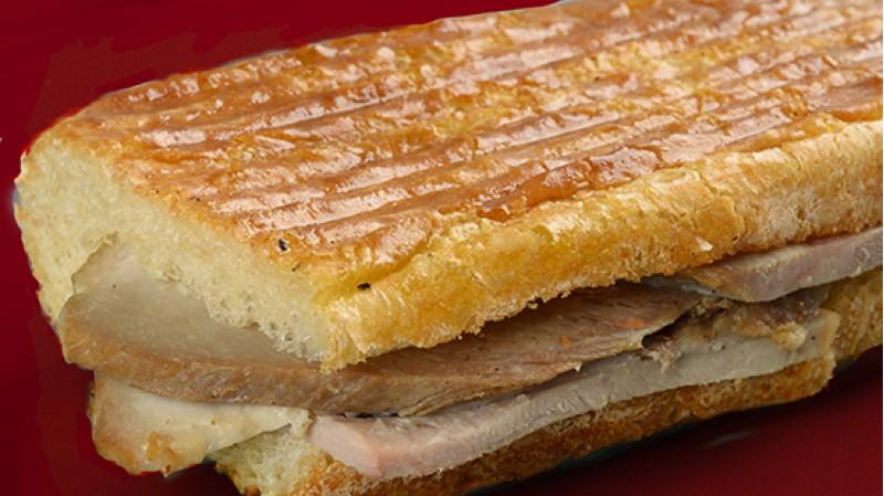 Сэндвич из чиабатты с бужениной